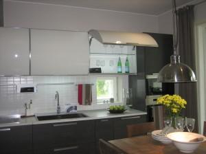 Italialaisen keittiökaappivalmistajan kaappeja asuntomessuilla